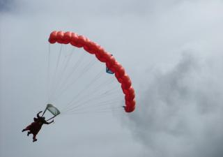 Matt parachuting
